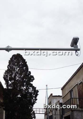 监控杆网提供生产道路交通指示杆厂家