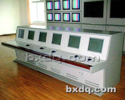 监控杆网提供生产传统豪华型控制台厂家