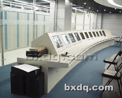 监控杆网提供生产豪华斜顶操作台厂家