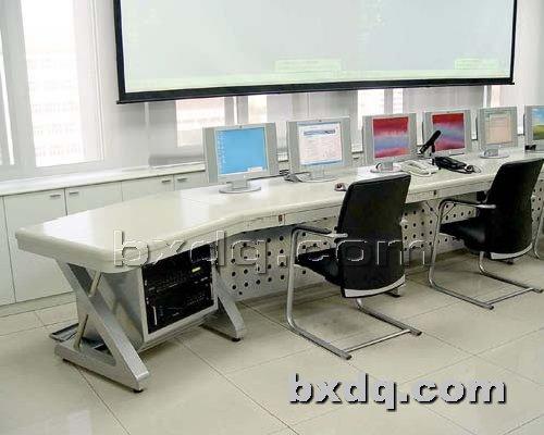 监控杆网提供生产新款液晶操作台厂家