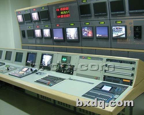 监控杆网提供生产明缝电视墙厂家